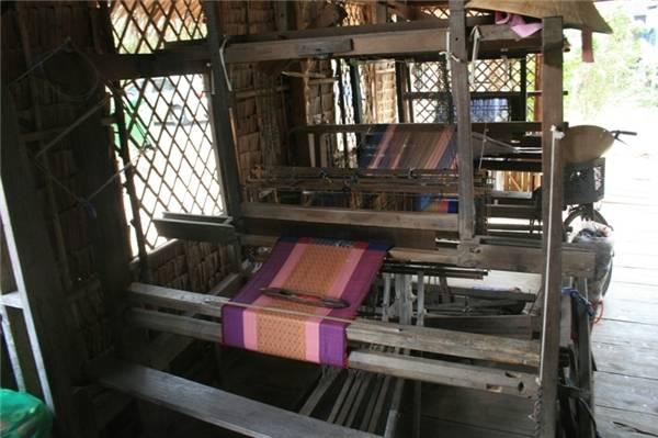 Thổ cẩm Châu Phong của đồng bào Chăm rất nổi tiếng. (Ảnh: Internet)