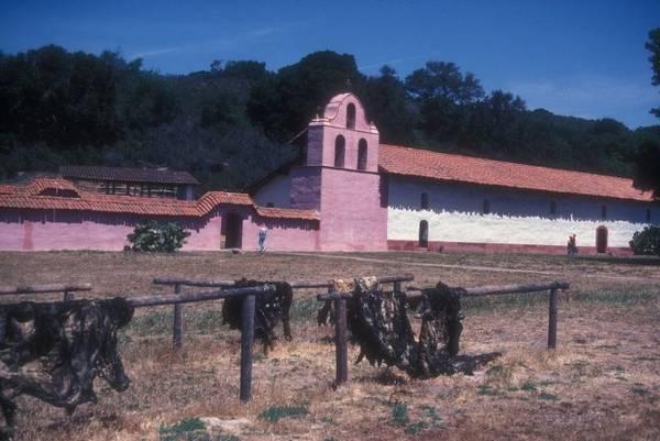 Phức hợp La Purisima Mission xây dựng từ năm 1787 ở Lompoc. một điểm đến toát mồ hôi lạnh ở Lompoc - Ảnh: wiki