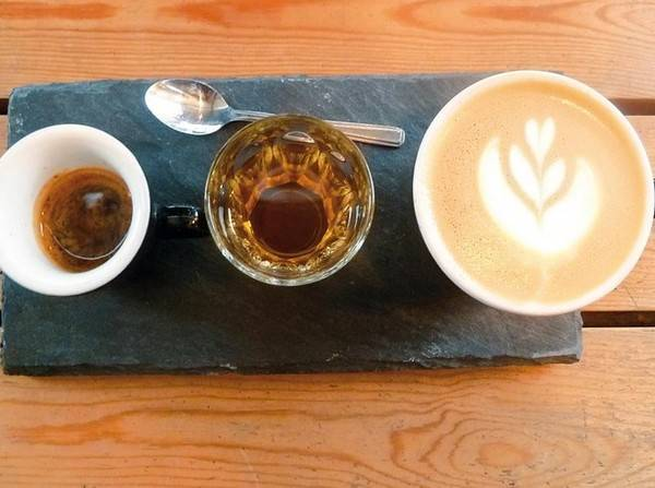 25-quan-cafe-tuyet-voi-nhat-the-gioi-ma-ban-phai-ghe-mot-lan-trong-doi-ivivu-4