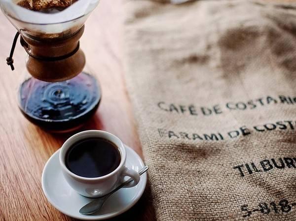 25-quan-cafe-tuyet-voi-nhat-the-gioi-ma-ban-phai-ghe-mot-lan-trong-doi-ivivu-41