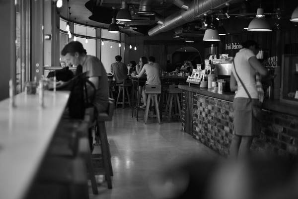 25-quan-cafe-tuyet-voi-nhat-the-gioi-ma-ban-phai-ghe-mot-lan-trong-doi-ivivu-47