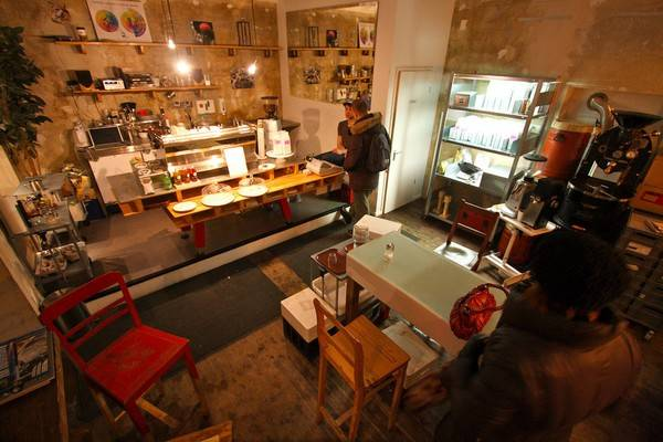 25-quan-cafe-tuyet-voi-nhat-the-gioi-ma-ban-phai-ghe-mot-lan-trong-doi-ivivu-48