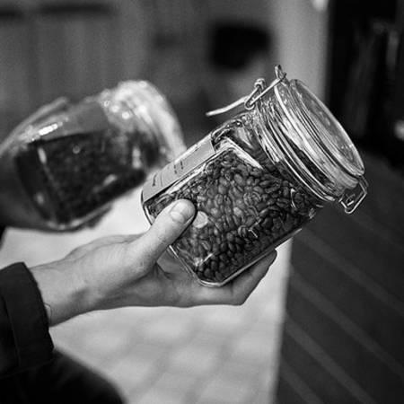 25-quan-cafe-tuyet-voi-nhat-the-gioi-ma-ban-phai-ghe-mot-lan-trong-doi-ivivu-54