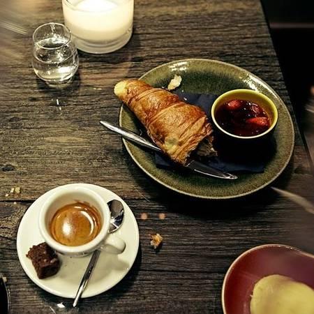 25-quan-cafe-tuyet-voi-nhat-the-gioi-ma-ban-phai-ghe-mot-lan-trong-doi-ivivu-62