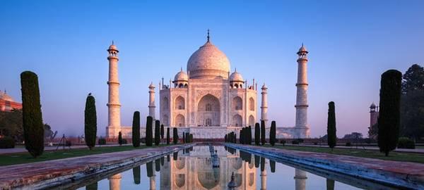 Taj Mahal là biểu tượng của tình yêu vĩnh cửu. Ảnh: Abercrombiekent.