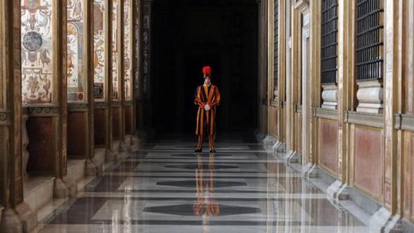 Mật viện Vatican chứa hơn 35.000 cuốn sách