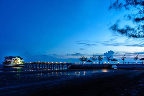 Description: Resort về đêm. Ảnh: 500px.