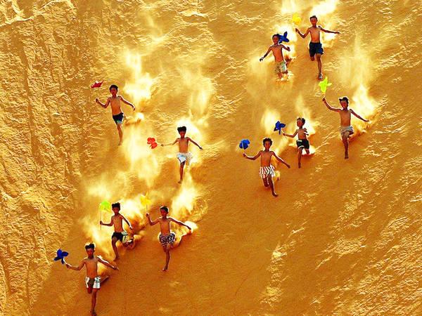 Đồi cát bay. Ảnh: SGNews