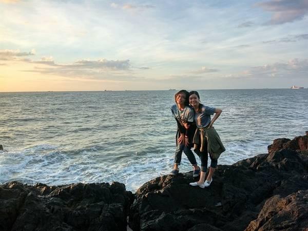 Vì còn đường đi đến bãi Vọng Nguyệt khá khó khăn, nên có thể nói rằng bãi biển này chỉ dành cho những người thích khám phá, trải nghiệm. Ảnh: ST