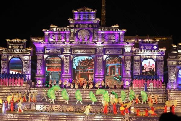 Có rất nhiều chương trình nghệ thuật đặc sắc được diễn ra trong suốt lễ hội Festival Huế 2016. Ảnh: ST