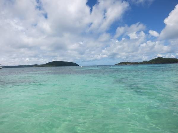 Description: Từ đây bạn sẽ được chiêm ngưỡng quan cảnh tuyệt đẹp trên vịnh Thái Lan và chuyến đi đến hòn đảo riêng biệt này hoàn toàn là của bạn.