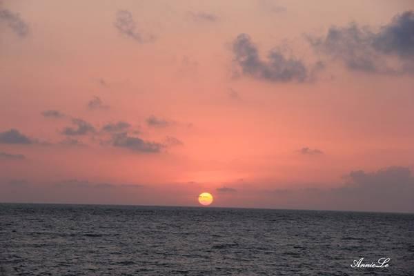 Description: Mũi Doi cũng là địa điểm lý tưởng để ngắm bình minh trên đảo.