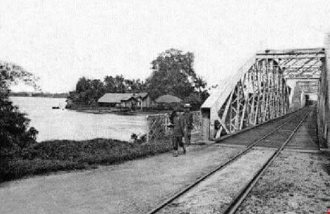Cầu Ghềnh chính thức được khánh thành vào ngày 14/1/1904 sau 2 năm xây dựng. Sau khi khánh thành, cầu Ghềnh đã giúp đưa tuyến xe lửa Sài Gòn - Biên Hòa đi vào hoạt động. Ảnh: Tư liệu.
