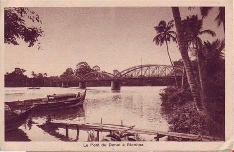 Cầu được thiết kế bởi kiến trúc sư nổi Gustave Eiffel người Pháp, cũng chính là người đã thiết kế tháp Eiffel nổi tiếng tại thủ đô Paris hiện nay. Ảnh: Tư Liệu.