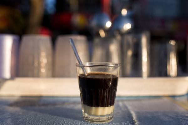 Mỗi công đoạn đều giúp hạt cà phê tỏa ra hương vị tuyệt vời nhất. Nhấm nháp một ly cà phê giữa đất trời Đà Lạt hẳn sẽ là một trải nghiệm khó quên với bất cứ du khách nào.