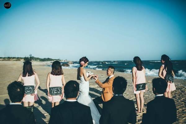 Chỉ mất 3 giờ để di chuyển từ Sài Gòn đến đây, lại không quá đông đúc như Vũng Tàu. Hồ Cốc chính xác là thiên đường chụp ảnh cưới cho các cặp đôi thỏa sức sáng tạo.