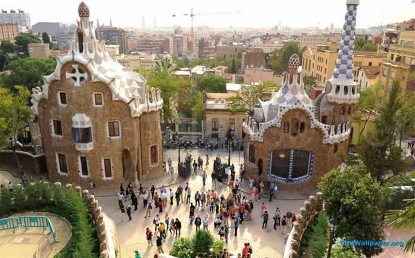 Công viên Güell, nơi phải đến ở Barcelona - Ảnh: wiki