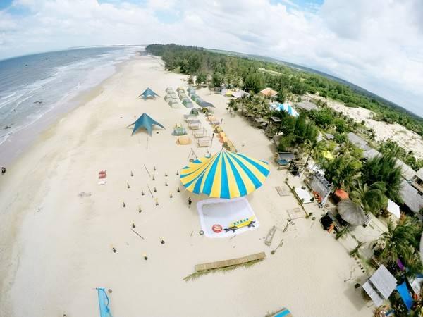 Hình ảnh toàn khu Coco Beach Camp nhìn từ trên cao. Ảnh: Ngô Quốc Tài