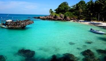 dao-mong-tay-thien-duong-bien-sanh-ngang-maldives-ivivu-2