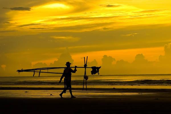 Bãi biển Ngapali: Ngapali một bãi biển được ghé thăm nhiều nhất của Myanmar, nơi đây được xem như là một bãi biển nhiệt đới xinh đẹp nhất trên vịnh Bengal, với những bãi cát trắng mịn và các khu nhà nghỉ xinh đẹp xung quanh.Ảnh: hexagontravel.co.uk