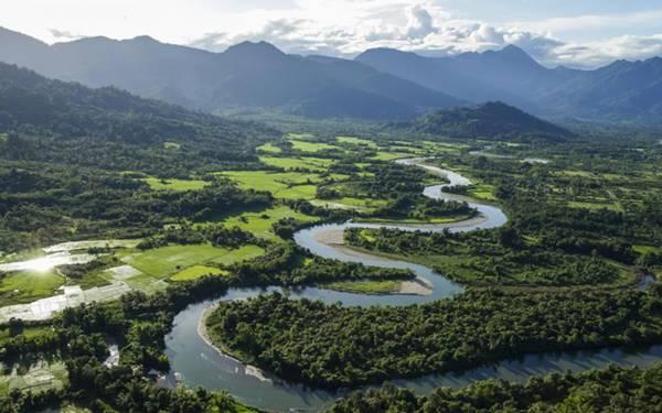 Putao: Từ lâu Putao đã được xem như là cửa ngõ để leo lên ngọn núi Himalaya, nơi đây là một địa điểm rất quen thuộc với những vị khách muốn thử sức ở bộ môn leo núi. Khu vực này là một trong những nơi có sự đa dạng sinh học nhất trên thế giới, với trung bình có khoảng 30 đến 40 hệ động thực vật mới, được phát hiện mỗi năm.Ảnh: blog.activetravelmyanmar