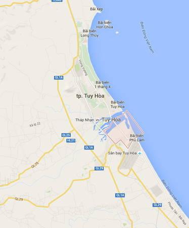 Description: Khu vực bãi biển Xóm Rớ nằm gần sân bay Tuy Hòa