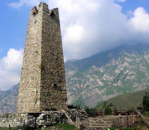 Ngọn tháp là nơi chôn cất người trông coi các linh hồn khác - Ảnh: flickr