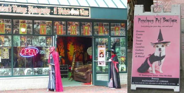Trên mọi nẻo đường thành phố Salem đều có mặt cửa hàng chuyên về phù thủy - Ảnh: trombinoscar