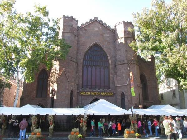 Bảo tàng Salem Witch luôn dập dìu du khách - Ảnh: salemwitchmuseum, wp