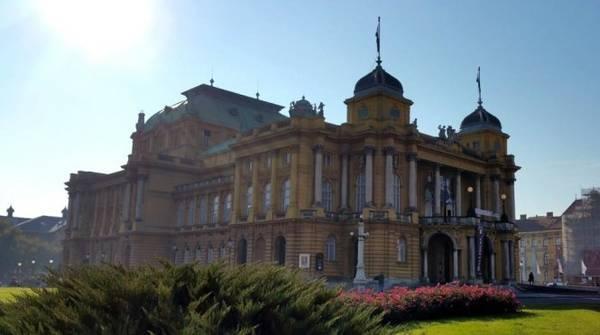 Một tòa nhà cổ đẹp tuyệt vời ở Zagreb - Ảnh: Phong Nguyễn Lê