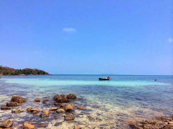 Description: Nước biển trong xanh ở quần đảo Hải Tặc. Ảnh: FB đảo Hải Tặc