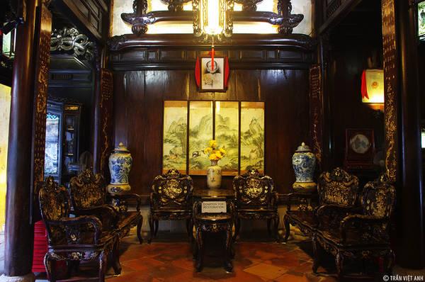 Description: Nội thất bên trong của nhà cổ Tấn Ký. Ảnh: Trần Việt Anh