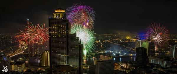 Màn pháo hoa mừng năm mới ở Bangkok.