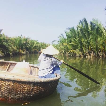 Description: Rừng dừa Bảy Mẫu nằm ở xã Cẩm Thanh, cách Hội An chỉ khoảng 5km, được ví như miền Tây Nam Bộ của phố cổ Hội An. Ảnh:dinhcongquan/instagram