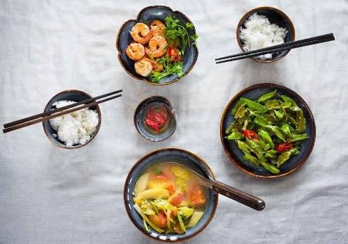 Một bữa cơm của người Việt. Ảnh: Indiechine