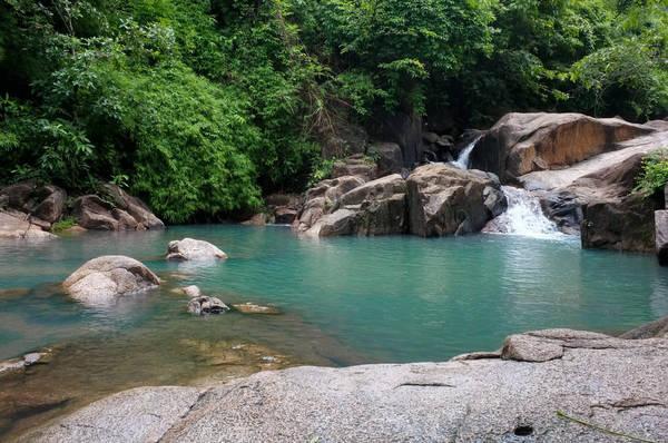 Dòng suối mát lành ở suối Tiên. Ảnh: bariavungtau.com