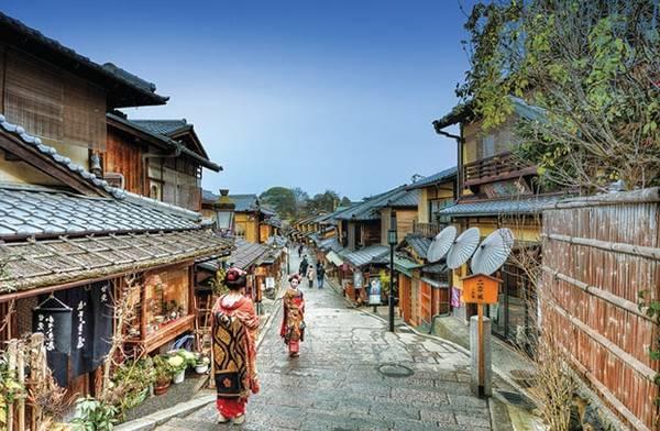 Khu phố cổ Gion vẫn còn giữ được vẻ cổ kính, trầm mặc