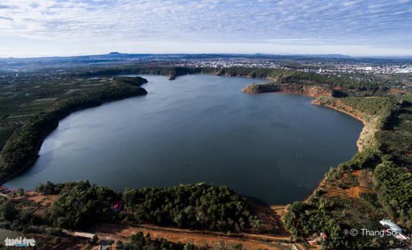 Biển Hồ ở tỉnh Pleiku - Ảnh Lê Thế Thắng
