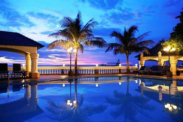 Hồ bơi xinh đẹp tại Lan Rừng Resort & Spa Vũng Tàu.