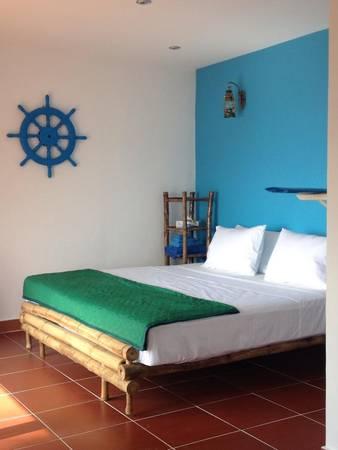 """Ở đây, du khách có thể lựa chọn ở trong căn nhà gỗ với một không gian riêng hoặc ở trong khu nhà """"ký túc xá"""" chung với những du khách khác."""