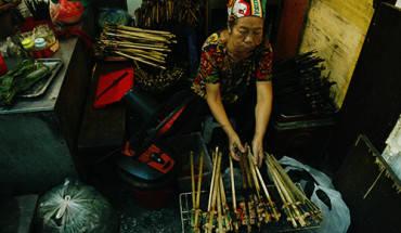ba-mon-nhat-dinh-phai-thu-o-ngo-cho-dong-xuan-ivivu-1