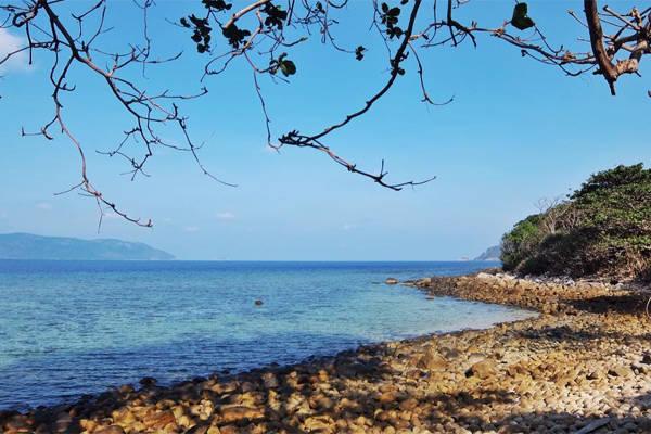 Mùa này biển Côn Đảo nước rất trong.