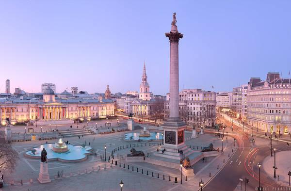 Quảng trường Trafalgar nằm trong khu Westminster, London, Anh. Ảnh: Willpearson.
