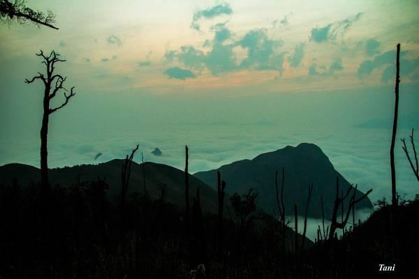 Bạch Mộc Lương Tử hiểm trở nhưng tuyệt đẹp, mang lại những trải nghiệm rất đặc biệt cho từng thành viên trong đoàn. Lịch trình tham khảo leo núi Bạch Mộc từ Sàng Ma Sáo