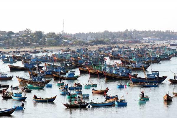 Một góc làng chài. Ảnh: Zen Nguyễn