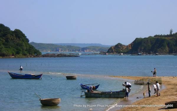 Con đường dưới biển ở Nhất Tự Sơn. Ảnh: Huỳnh Phúc Hưng