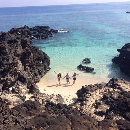 """Nằm cách đảo lớn Lý Sơn khoảng 3 hải lý về phía Tây Bắc là đảo Bé. Đảo bé Lý Sơn đúng như tên gọi """"đảo"""" nhưng """"bé"""" nên người dân Lý Sơn thường gọi nơi này với cái tên thân mật là Bé, hay Đảo Bé, ngày nay đảo bé có tên gọi là An Bình. Ảnh:thaokinie"""