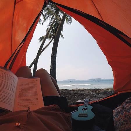 Nếu muốn bạn cũng có thể mang theo lều, võng để cắm trại ngoài trời. Ảnh:talachyp