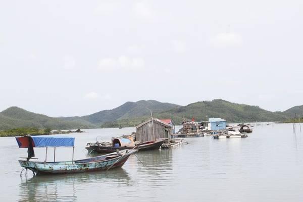 Description: Khác với không khí nhộn nhịp của các hòn đảo nổi tiếng khác của Quảng Ninh, đảo Ngọc Vừng lại sở hữu một khung cảnh bình yên hiếm có. Ảnh: ST