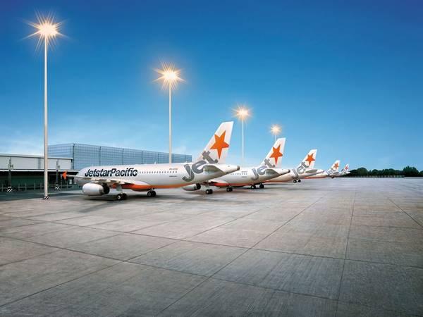Máy bay Jetstar